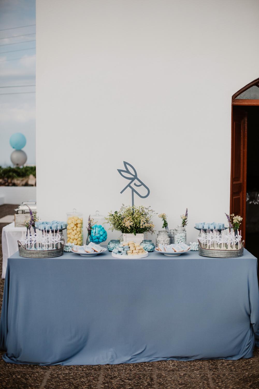 Διακόσμηση γάμου μοντέρνο και πρωτότυπο stationery γάμου
