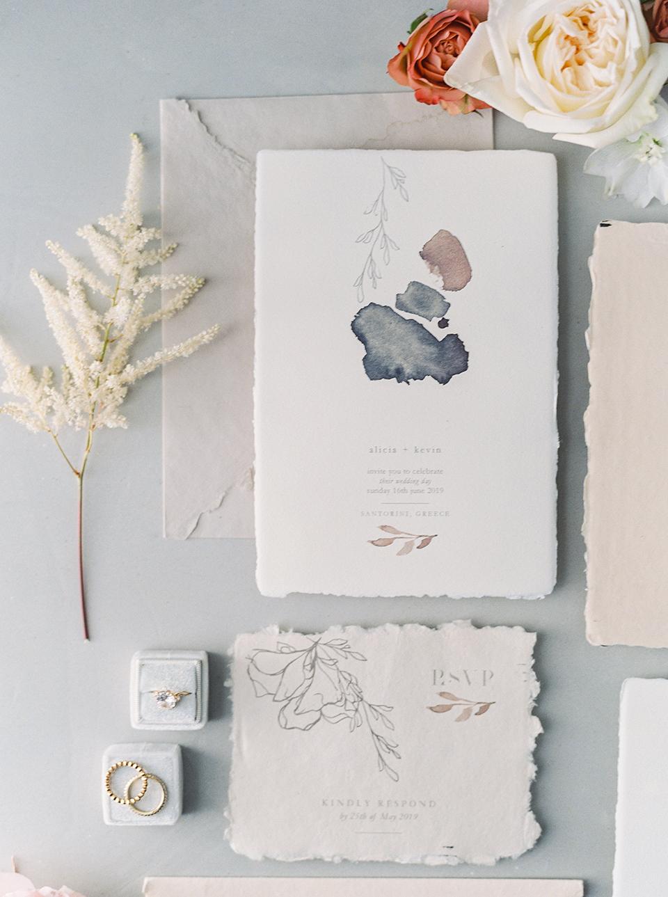 Προσκλήσεις γάμου σε χειροποίητο χαρτί